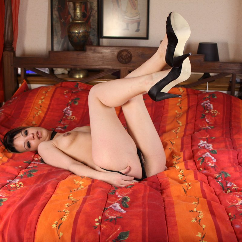 Dialogue coquin escortes Georgette Ecully